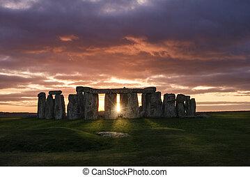pôr do sol, sobre, stonehenge