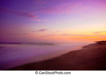 púrpura, salida del sol