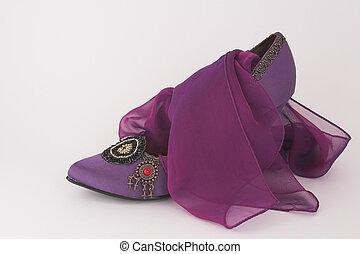 púrpura, zapato, bufanda, emparejar