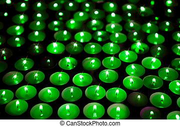 płonący, świece, wizerunek, planet., energy., zielone tło, oprócz, miękki, vigil.
