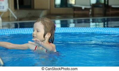 pływacki, publiczność, dziewczyna, kałuża, mały