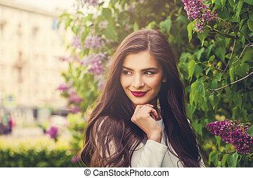 překrásný, úsměv eny, dále, květinový, léto, grafické pozadí, ve volné přírodě