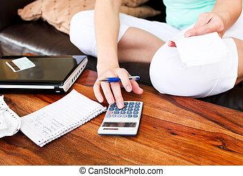překrásný eny, účetnictví