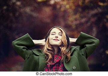 překrásný, móda, alley., podzim, ryšavý, děvče