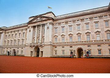 pałac buckinghama, w, londyn, przedimek określony przed...