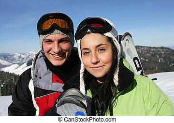 paar, auf, a, fahren feiertag schi, zusammen