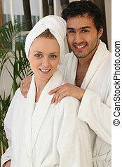 paar, badkamer