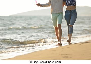 paar, beine, setzen sand strand