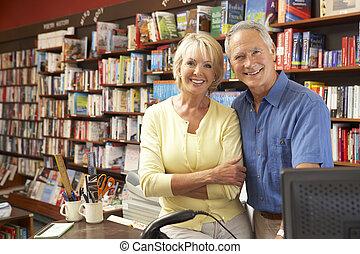 paar, boekhandel, rennende