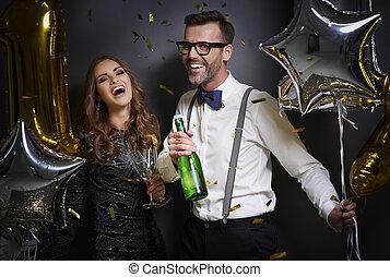 paar, champagne, lachen, bril