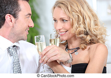 paar, champagner, closeup, trinken