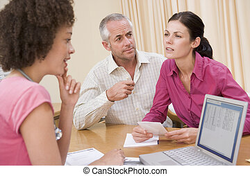 paar, doktors, doktor, buero, missbilligend, laptop