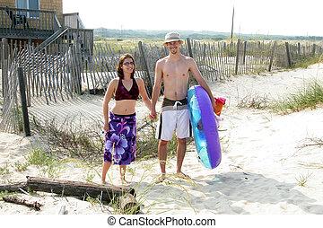 paar, gekopt, om te, strand