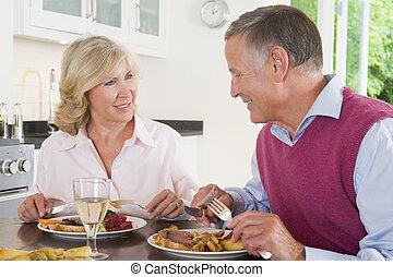 paar, genießen, mahlzeit, senioren, zusammen