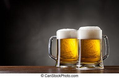 paar, gläser bier