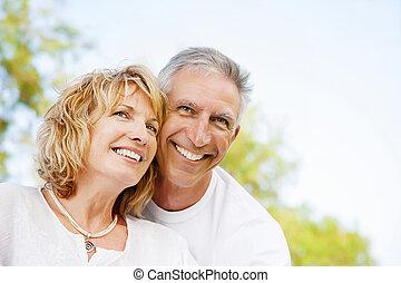 paar, glücklich, fällig, draußen