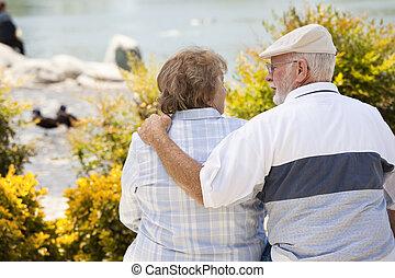 paar, glücklich, park, älter, bank