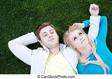 paar, gras, liefde, jonge, het liggen