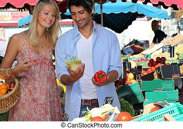 paar, groentes, aankoop