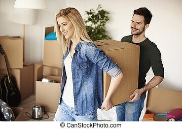 paar, ihr, kästen, neues heim, auspacken