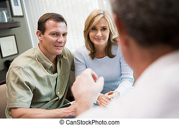 paar, in, beratungsgespräch, an, ivf, klinik, (selective,...