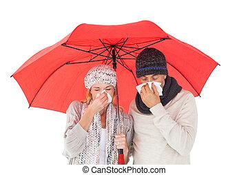 paar, in, winter, mode, niesen, unter, schirm