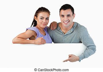 paar, jonge, advertentie, het voorstellen
