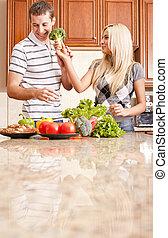 paar, jonge, keuken