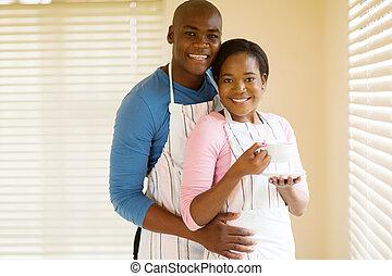 Paar, junger, entspannend, afrikanisch