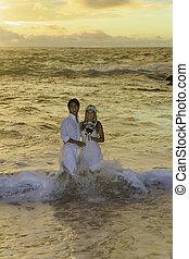 paar, jungvermählt, sonnenaufgang