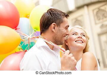 paar, luftballone, bunte, glücklich