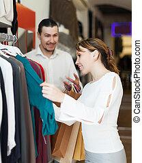 paar, met, het winkelen zakken, op, winkel