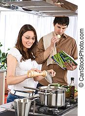 paar, moderne, samen, cook, keuken, vrolijke