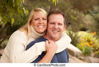 paar, park, aantrekkelijk, vrolijke