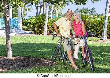 paar, park, bicycles, groene, senior, vrolijke