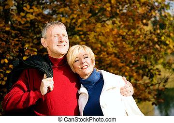 paar, park, romantische, middelbare leeftijd