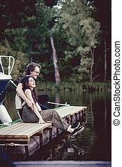 paar, pier., romantische , sitzen