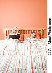 paar, relaxen, bed