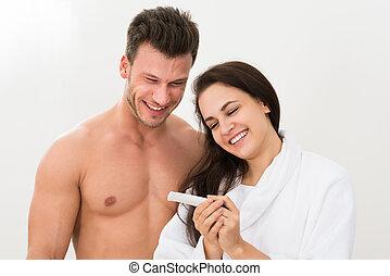 paar, resultaten, test, bevinding, zwangerschap, uit