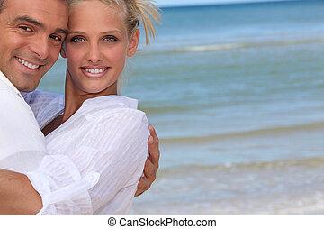paar, sandstrand, glücklich