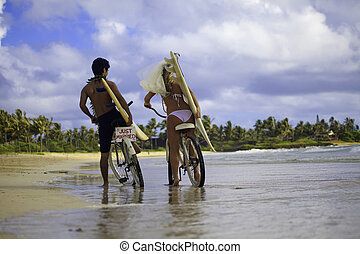 paar, sandstrand, jungvermählt