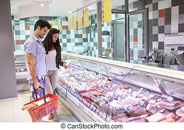 paar, shoppen, in, a, supermarkt