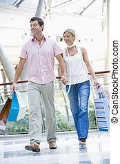 paar, shoppen , in, mall