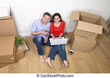 Paar, Sitzen Boden, Einziehen, A, Neues Haus, Oder, Wohnung,