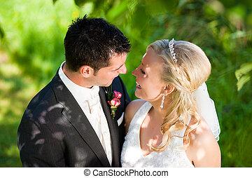 paar, vatting, romantische, trouwfeest