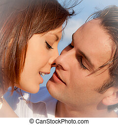 paar, verplichting, trouwfeest, kussende , of, hartelijk