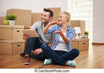 paar, vrolijke , decor, nieuw, planning, thuis
