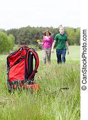 paar, wandeling, toerist, schooltas, land