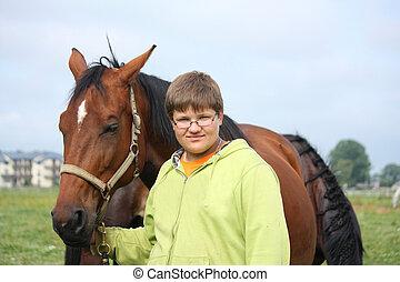 paarden, jongen, het glimlachen, tiener, akker