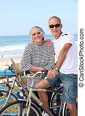 paardrijden, paar, fietsen, strand, senior
